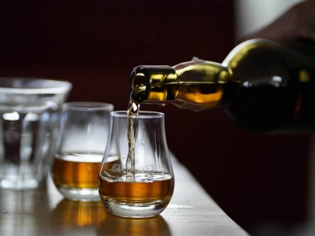 Whisky Gläser und Whisky